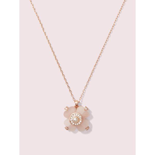 spade flower pendant